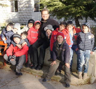 Rev. Dr. Uwe Gräbe with JLSS Children